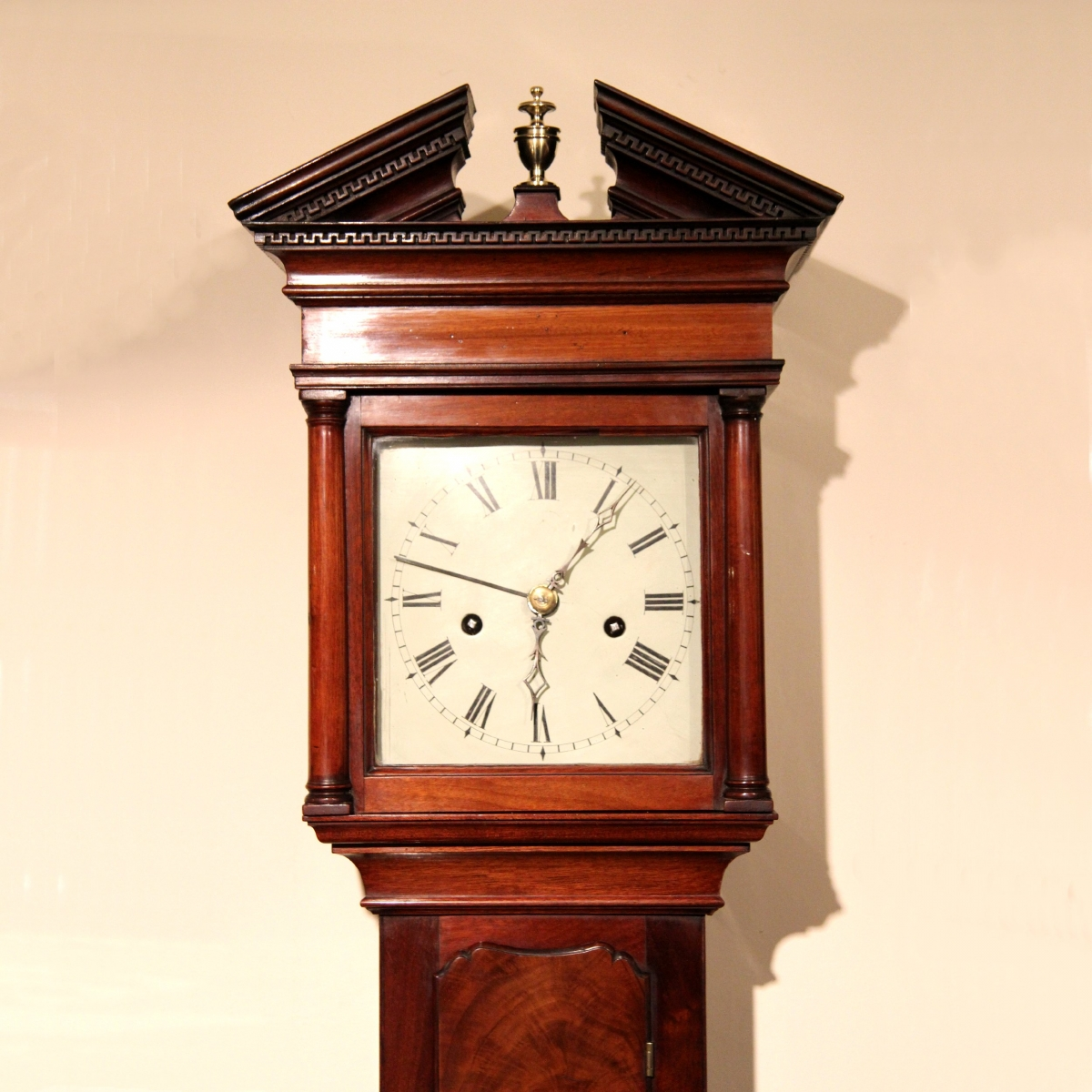 rare and good hooded 39 trunk 39 wall clock for sale. Black Bedroom Furniture Sets. Home Design Ideas