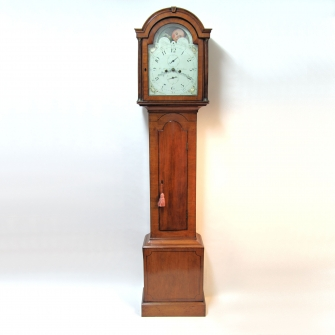 Attractive pale mahogany longcase clock by William Avenell of Farnham. Circa 1805.